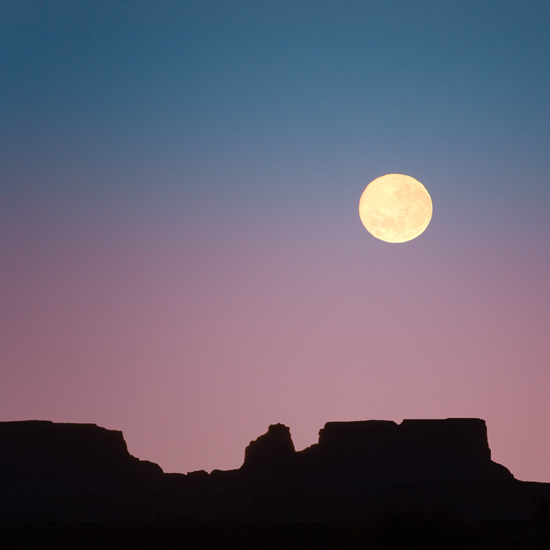 Moonset near Page Arizona